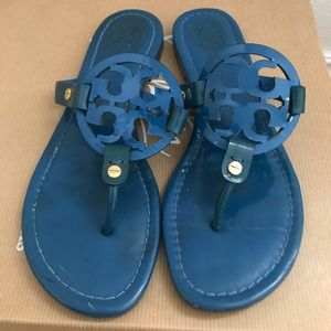 AUTH Tory Burch blue patent leather sandals 36